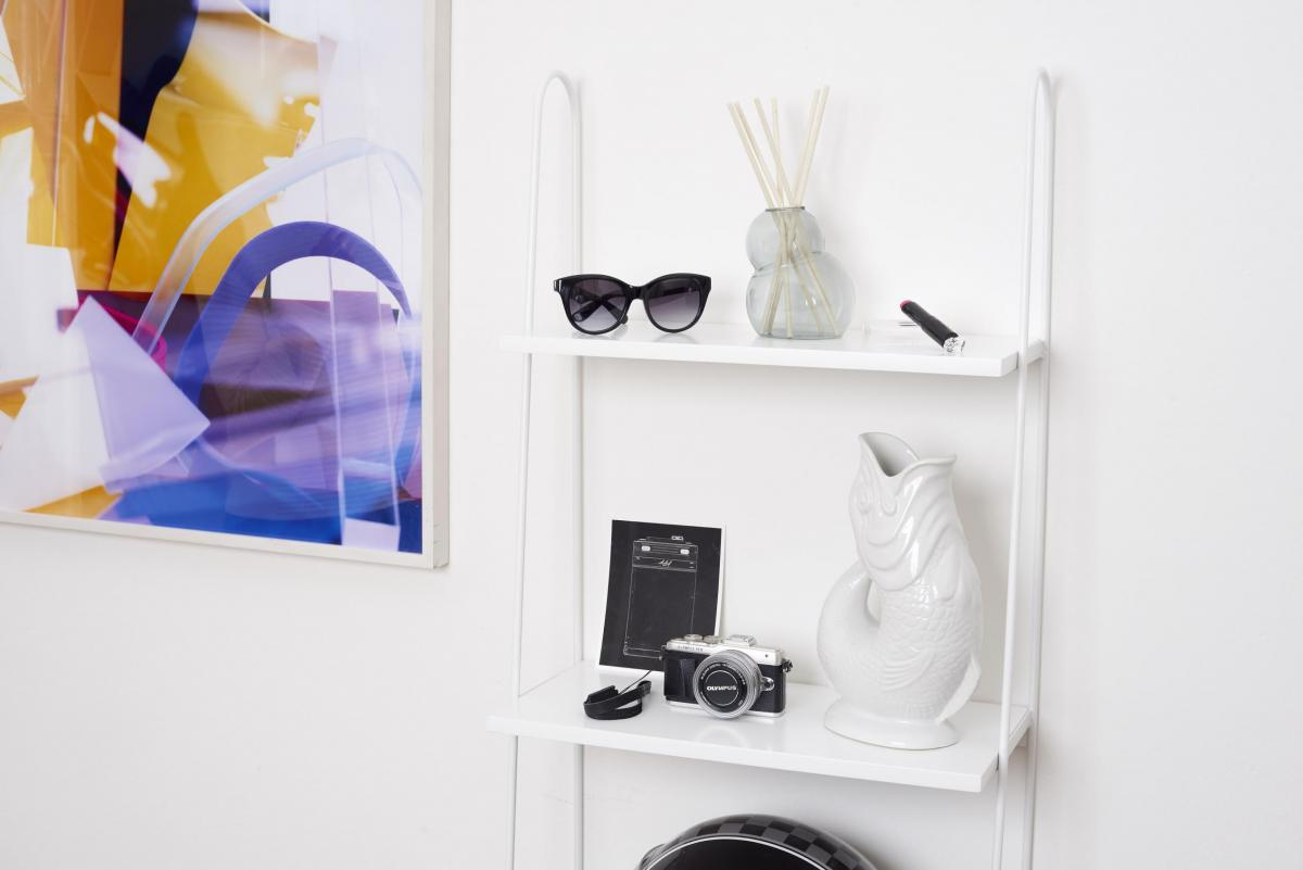 therandomnoise.com_interior_westwing olympus pen epl7_anine bing sunglasses seren house gurlain_fish vase_1